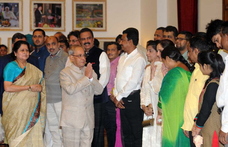 The President, Shri Pranab Mukherjee meeting the invitees, at an Iftar party, hosted by him, at Rashtrapati Bhawan, in New Delhi on July 01, 2016.